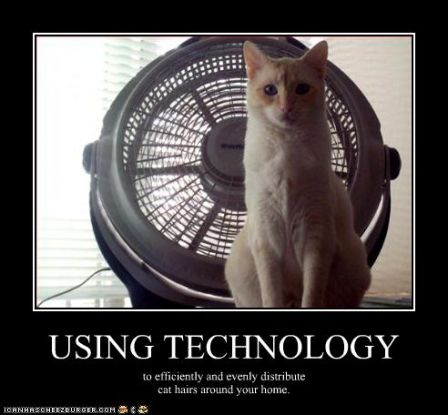 lolcat_funny-pictures-cat-uses-technology